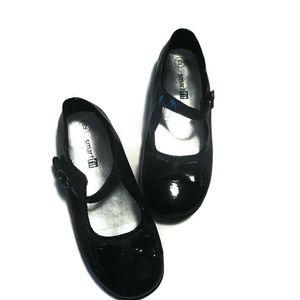 Girls Mary Janes size 12, Black
